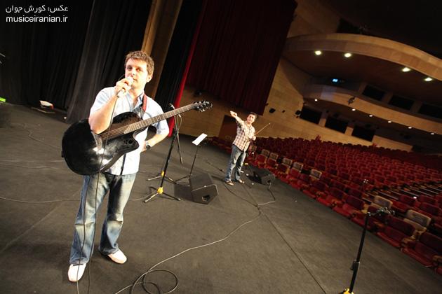 http://musiceiranian.ir/images/news-pic/9805/arian/part2/z-(51).jpg