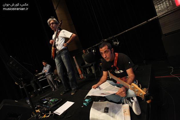 http://musiceiranian.ir/images/news-pic/9805/arian/part2/z-(52).jpg