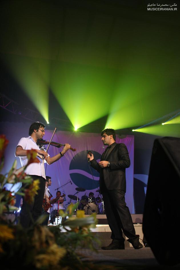 http://musiceiranian.ir/images/news-pic/9805/khajeamiri%20(9).jpg